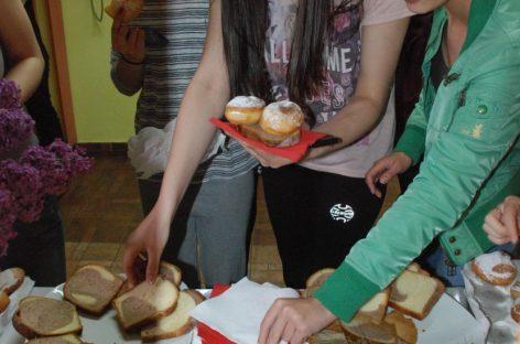 Studenții sibieni au serbat anticipat Paştele