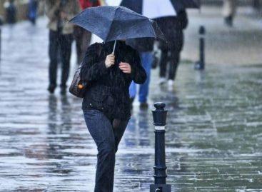 Cod galben. Ploi torenţiale, fenomene electrice şi vijelii