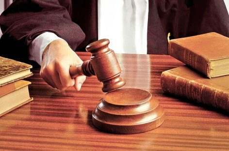 Legea care elimină 102 taxe, declarată constituţională