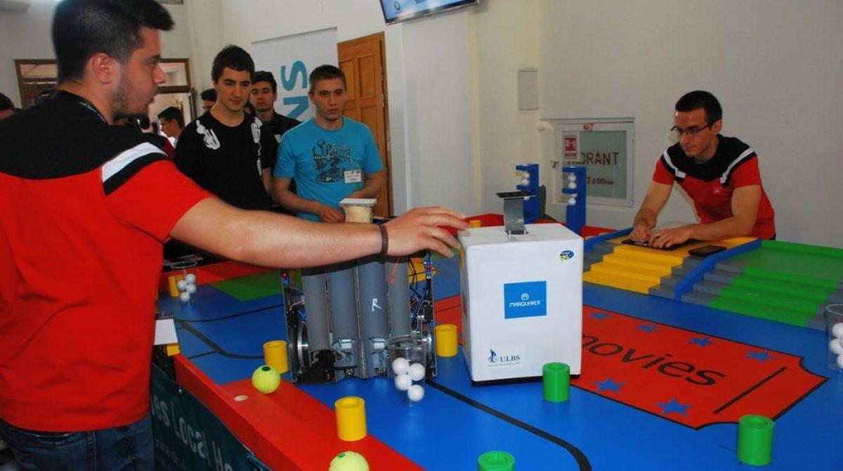 """Campionatul """"Line follower""""/Roboţii studenţilor se întrec la Sibiu"""