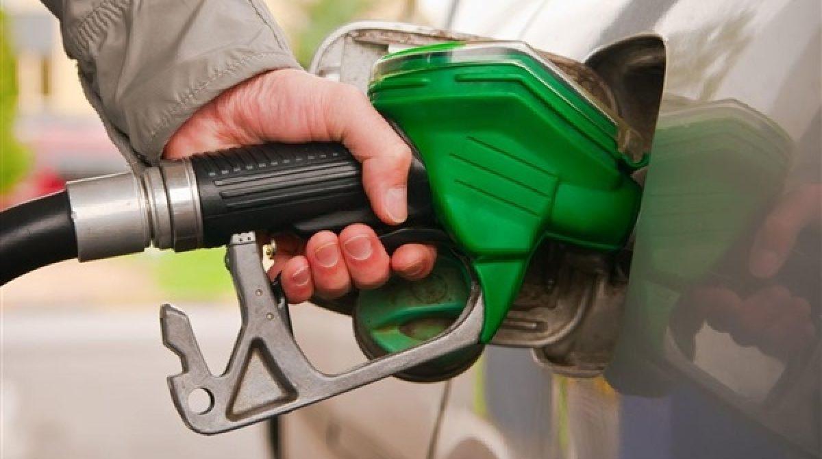 O nouă lovitură a Executivului. Carburant mai scump