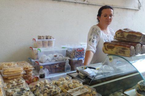A dat cifrele pe zahăr şi a reinventat prăjiturile din Maramureş