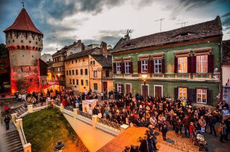 La Sibiu, festival cu vin, mâncare, muzică şi multă voie bună