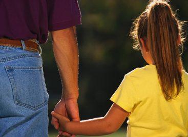 Ajutor comunitar pentru familiile monoparentale din Bucureşti
