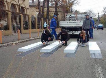 Şoferi surprinşi şi nelămuriţi. Prima trecere 3D din România, la Buzău