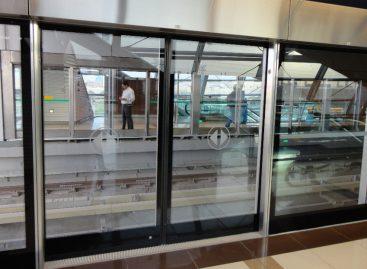 Staţiile de metrou vor fi securizate cu paravane din sticlă