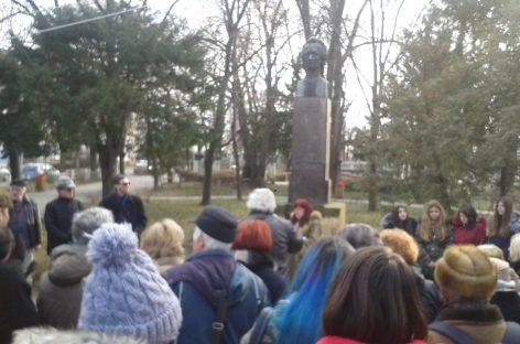 Poetul universal. Românii şi bulgarii vorbesc pe înţelesul lui Eminescu