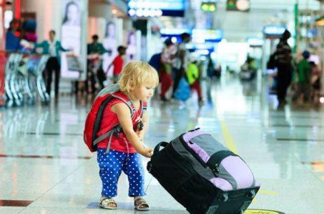 Autoritatea părintească. Condiţii pentru călătoria copiilor în străinătate