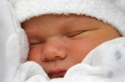 Înregistrare nou-născut nerecunoscut de tată