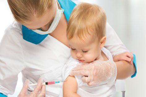Se reia imunizarea copiilor cu vaccinul hexavalent