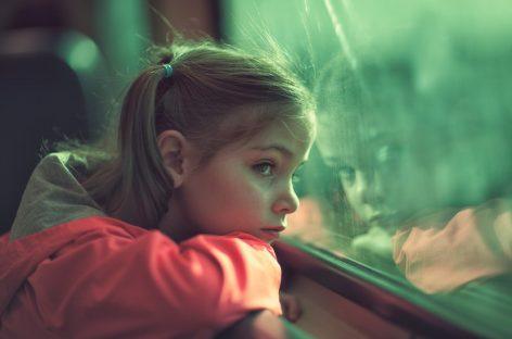 Ai un copil timid? Iată ce te sfătuiesc psihologii