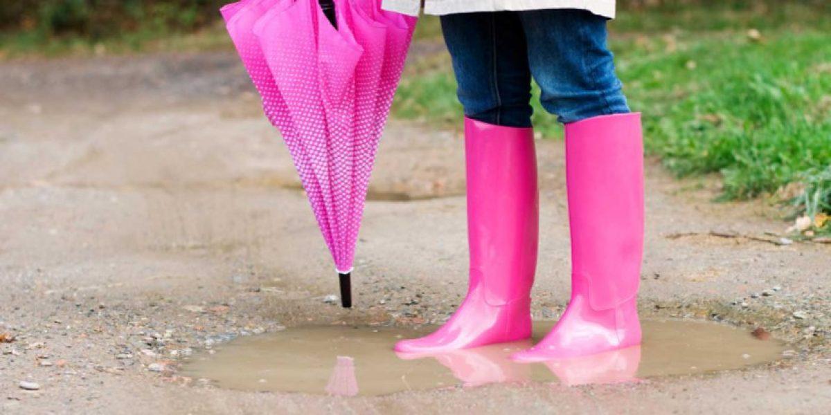 Nu scăpăm de vremea rea. Ploi torenţiale, vijelii şi descărcări electrice