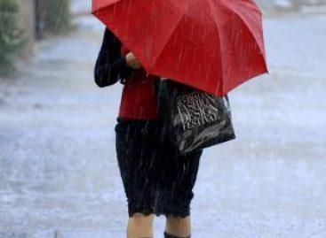 Cod galben de vreme rea. Ploi torenţiale, grindină şi vijelii