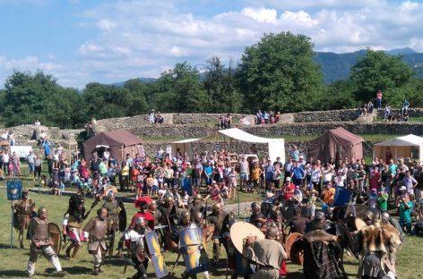 """Festivalul """"Dacia Felix – Sub semnul Acvilei"""", în Haţeg"""