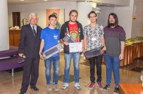 Studenţii Universităţii din Bucureşti, laureaţi ai unui concurs internaţional de programare