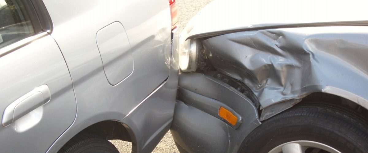 Repararea maşinii după un accident se face după reguli noi