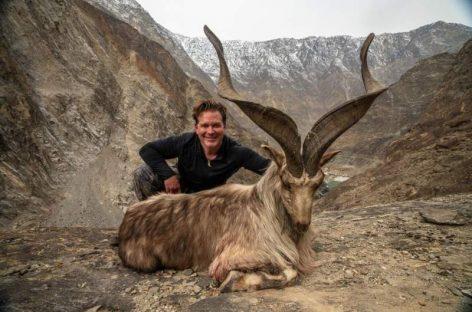 Vânătoarea – nebunie fără limită. Fotografia care a şocat o lume întreagă