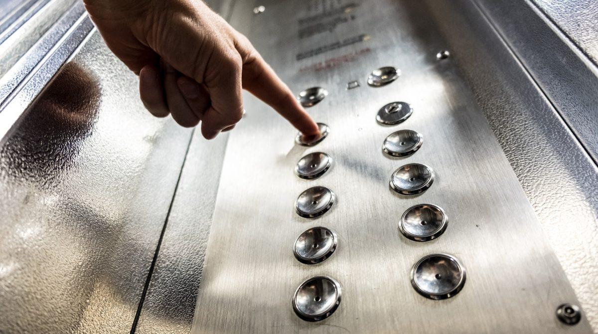 Finanţare gratuită în Sectorul 1. Încep lucrările de modernizare a lifturilor